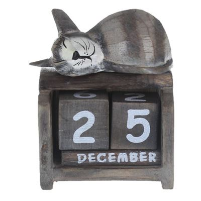 Cat Calendar Light Wood (A)