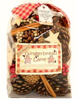 Gingerbread Lane Large Cones and Pods Scented Bag 500g